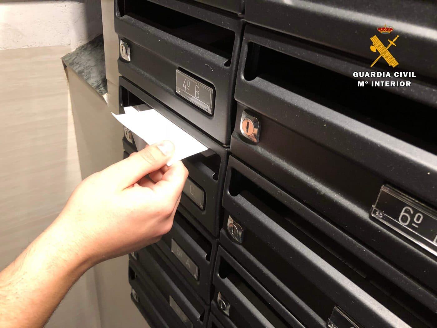 La Guardia Civil detiene a dos personas en Haro por sustraer la correspondencia de los buzones 2