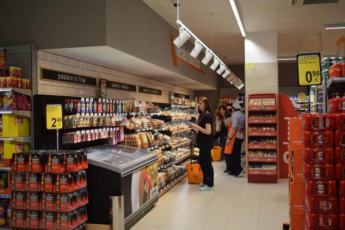 Lupa inaugura su nuevo supermercado en Haro 12