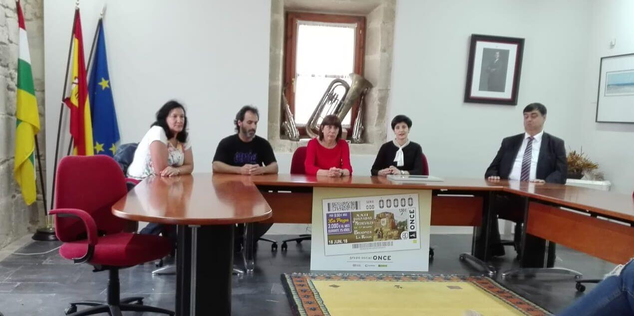 Presentado el cupón de la ONCE dedicado a las Jornadas Medievales de Briones 1