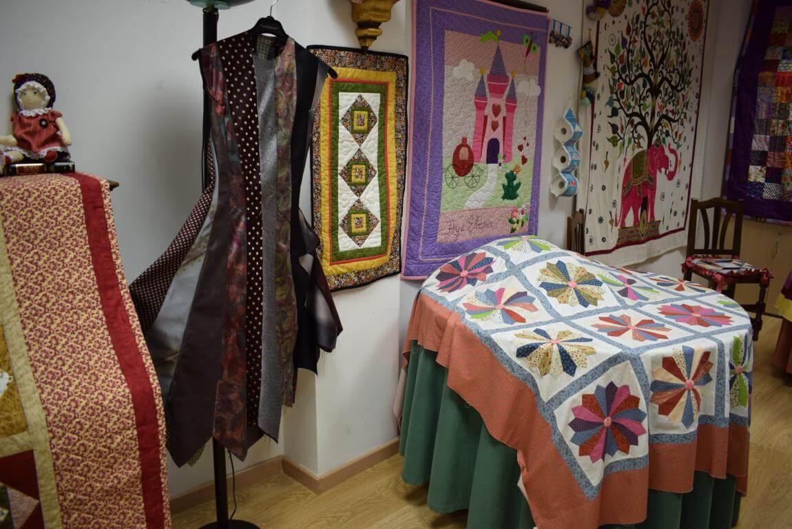 Las Mujeres de la Vega exhiben su creatividad 12