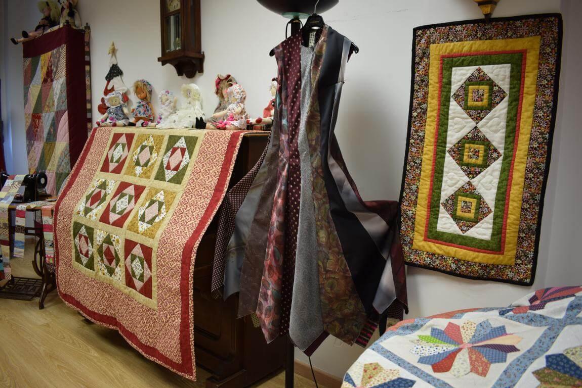 Las Mujeres de la Vega exhiben su creatividad 11