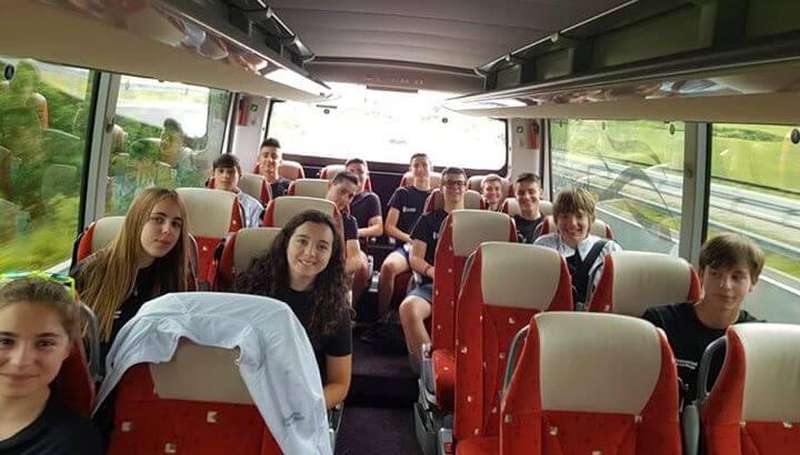 La jarrera María López y la campeona Abril Fernández, en los Campeonatos de España Escolares de Ciclismo 1
