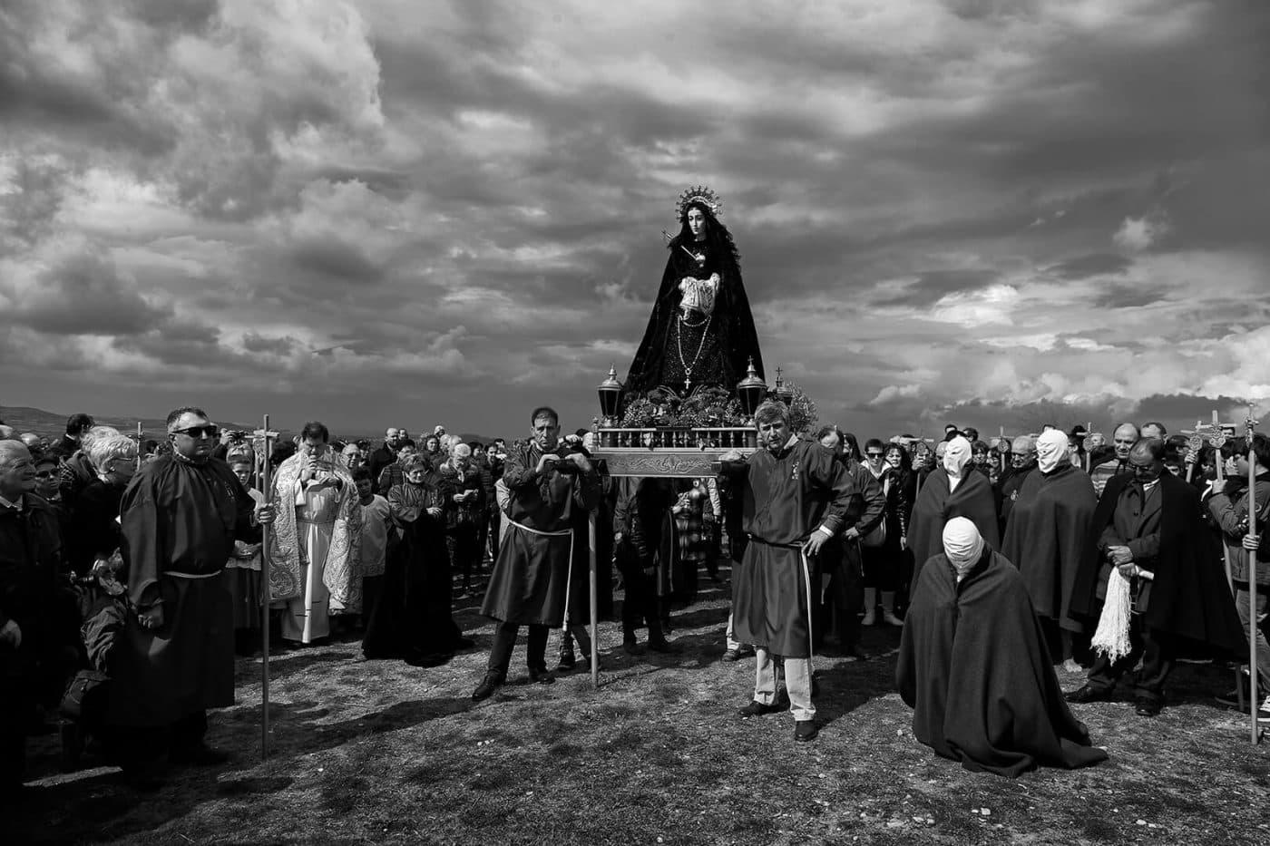 Una foto de las doncellas de Santo Domingo, ganadora del concurso 'La Rioja, primavera del patrimonio cultural' 1
