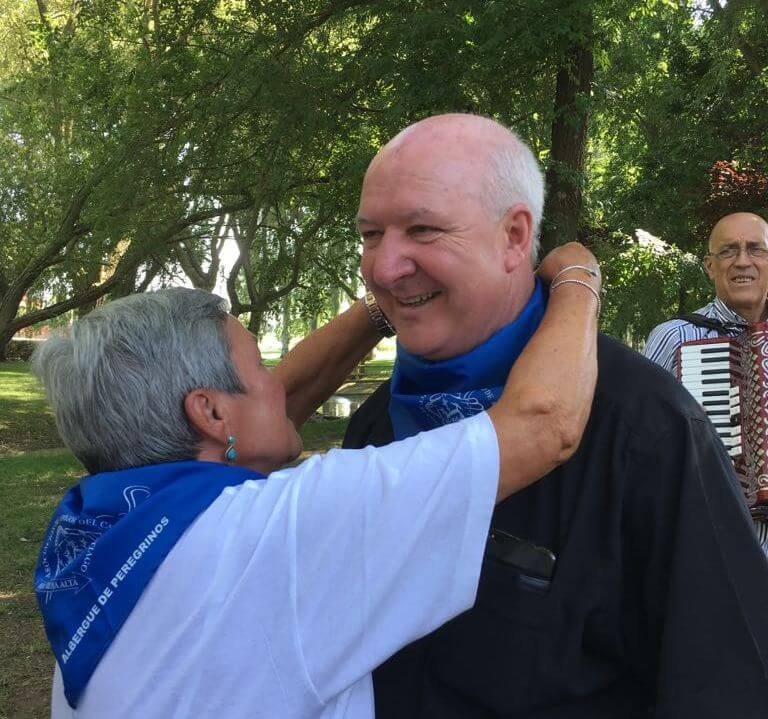 """Los Amigos del Camino celebran el Día de Santiago con una """"entrañable despedida"""" al párroco Carlos Esteban 2"""