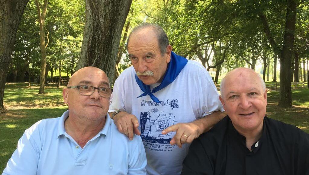 """Los Amigos del Camino celebran el Día de Santiago con una """"entrañable despedida"""" al párroco Carlos Esteban 1"""