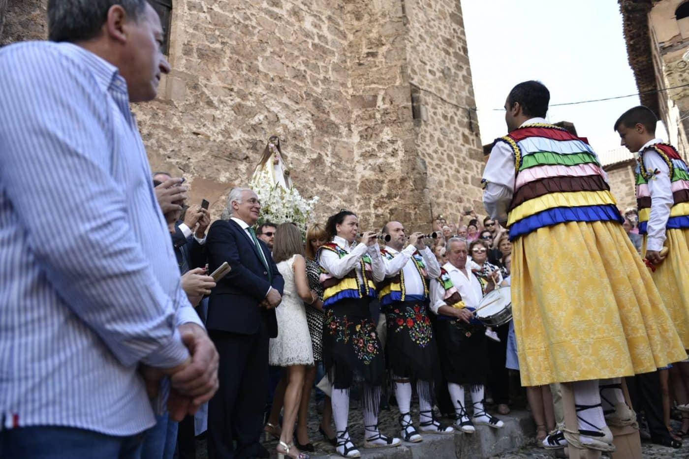 """Los Danzadores de Anguiano son """"un ejemplo de la transmisión de valores y sentimientos entre generaciones"""" 1"""