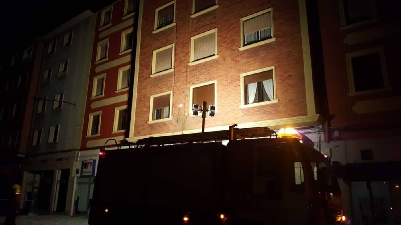 Un cortocircuito provoca un conato de incendio en la avenida de La Rioja en Haro 3
