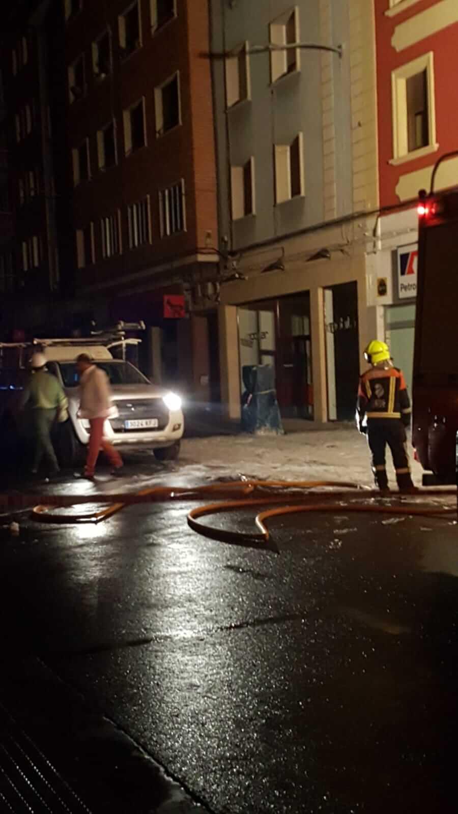 Un cortocircuito provoca un conato de incendio en la avenida de La Rioja en Haro 4
