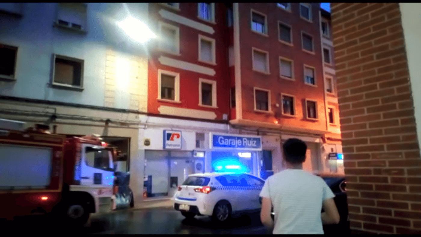 Un cortocircuito provoca un conato de incendio en la avenida de La Rioja en Haro 7