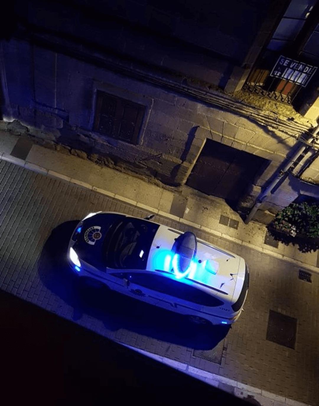 Un incendio en un portal de una vivienda en Labastida obliga a evacuar a cinco personas a través del balcón 3