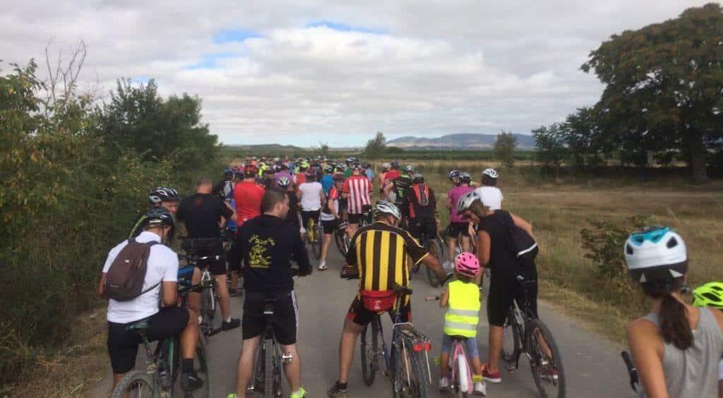 Amantes de la bicicleta rinden un multitudinario y emotivo homenaje a Roberto Pérez en Casalarreina 7