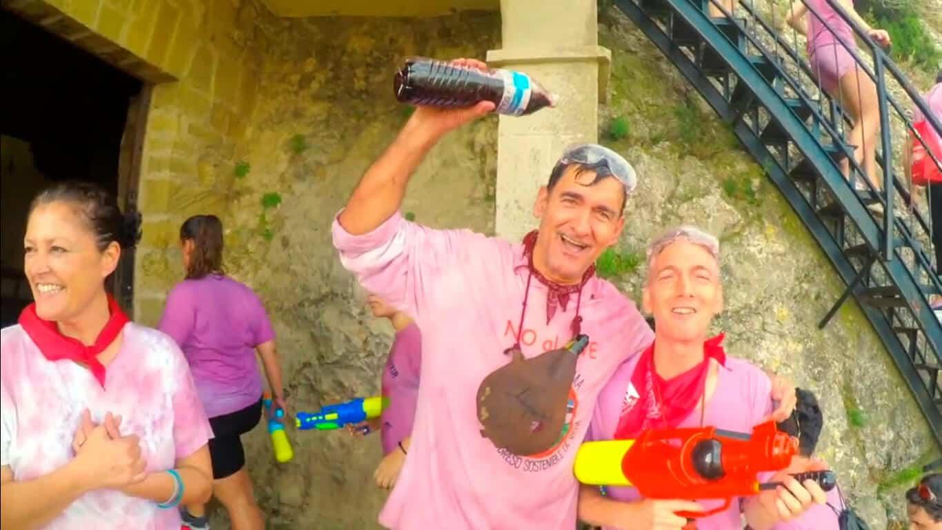 """El jarrero Rafael Estefanía y la BBC libran una divertida Batalla del Vino: """"Volveremos con mejores armas"""" 1"""