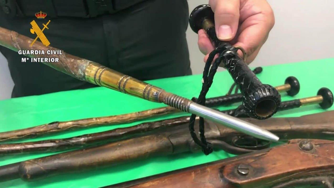 La Guardia Civil interviene armas antiguas y armas prohibidas en la Feria de Antigüedades de Cirueña 1