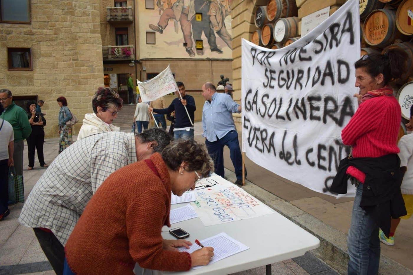 Los vecinos que piden el traslado de la gasolinera de la avenida de La Rioja se consolidan como asociación 5