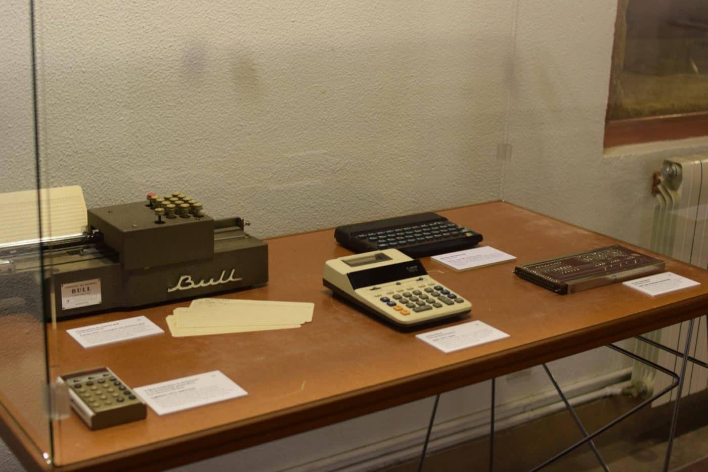 El Centro Fundación Caja Rioja-Bankia Haro acoge la exposición 'De la mano a la electrónica. Máquinas de calcular' 7