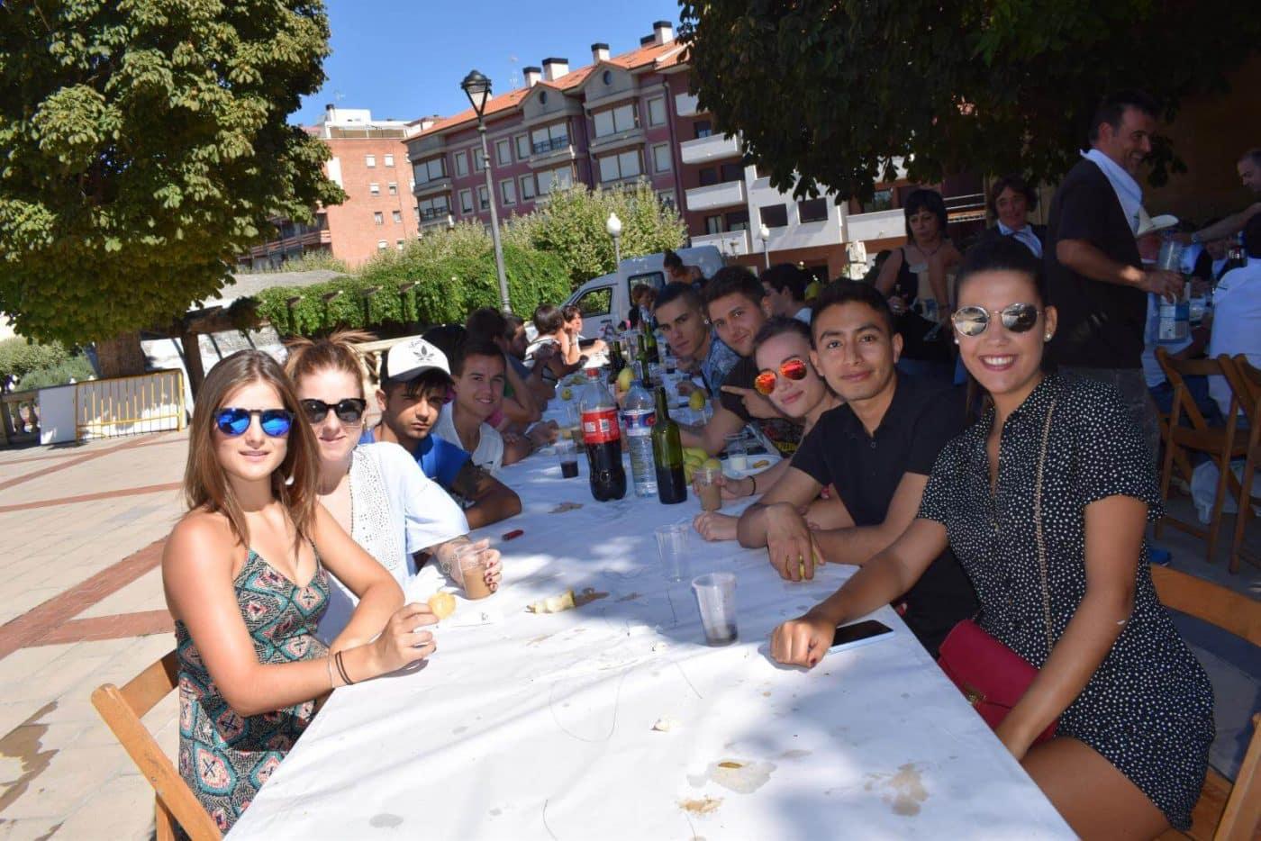 El soniquete binguero, colofón a la comida de hermandad del Barrio de las Huertas 18