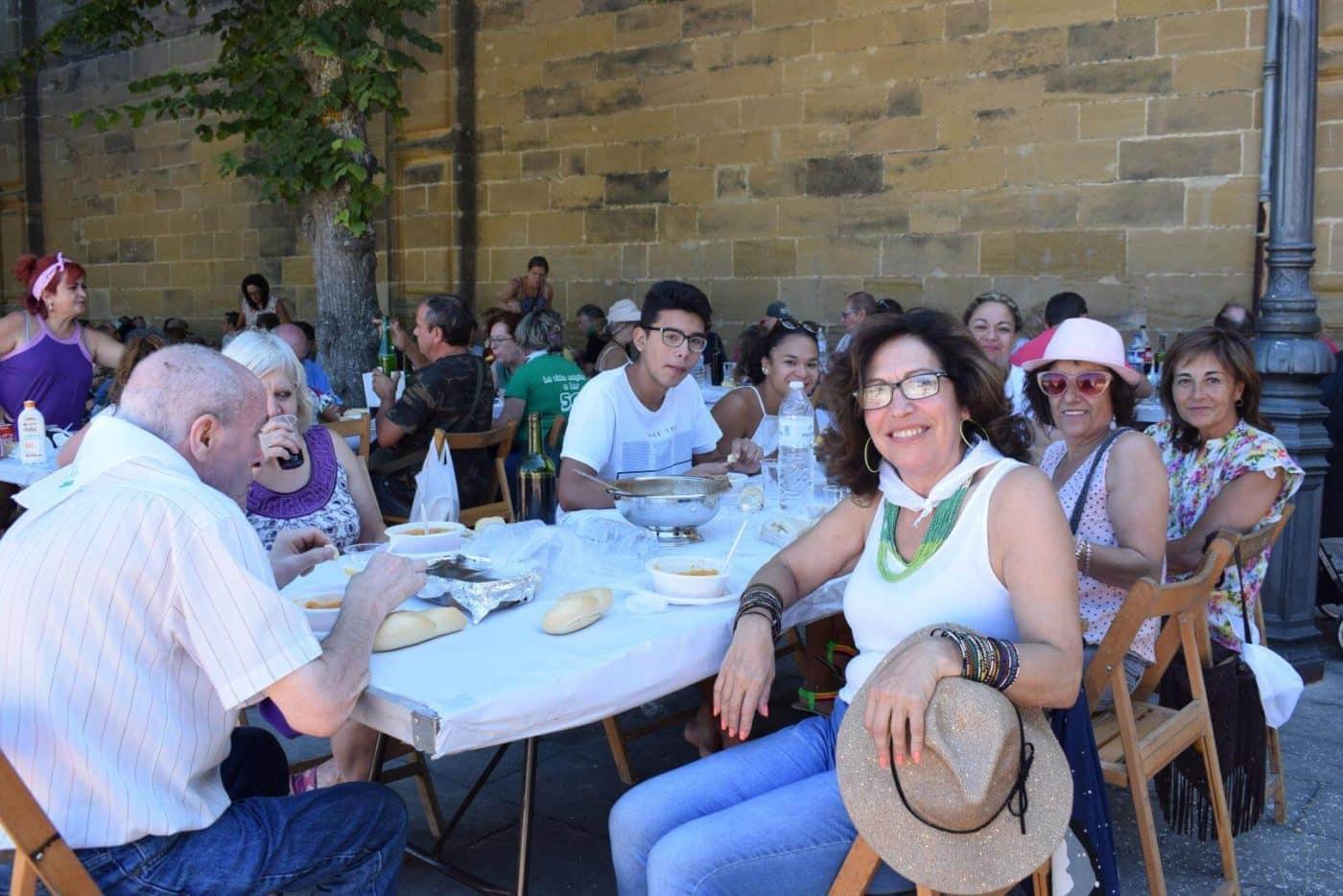 El soniquete binguero, colofón a la comida de hermandad del Barrio de las Huertas 5