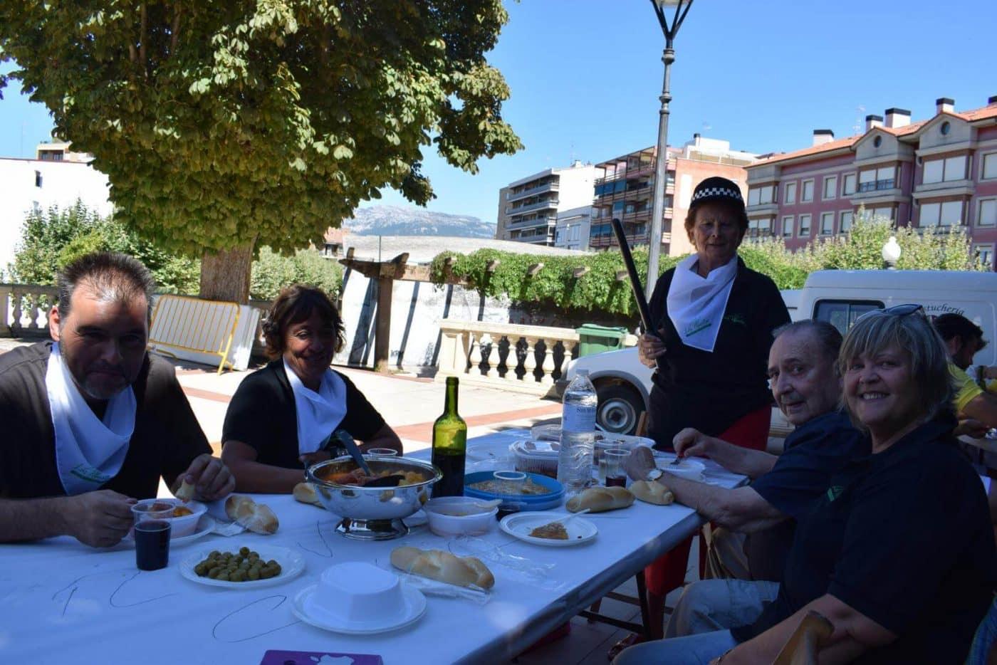 El soniquete binguero, colofón a la comida de hermandad del Barrio de las Huertas 10