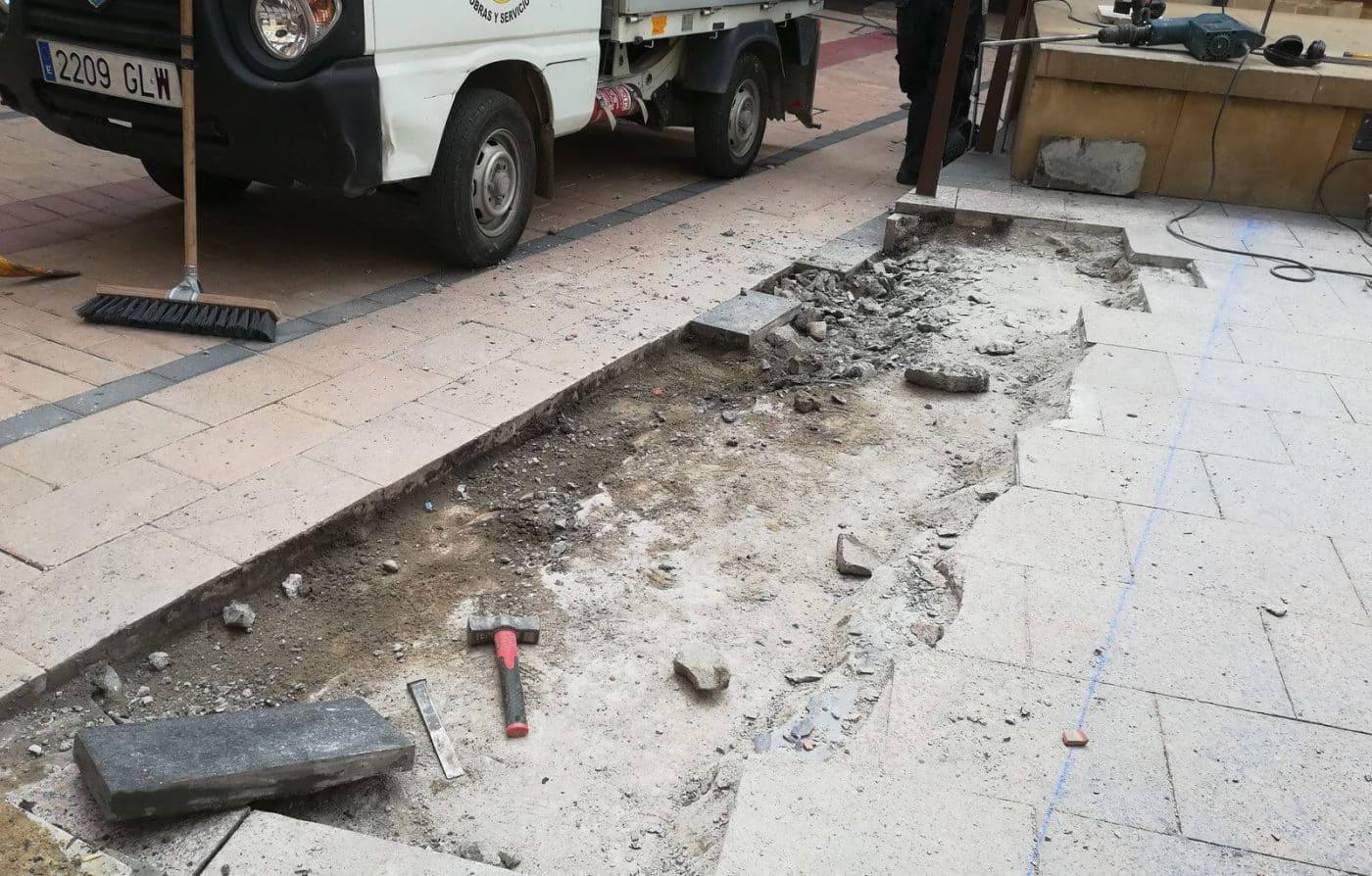 La brigada de obras del Ayuntamiento de Haro realiza varias labores en la ciudad 1