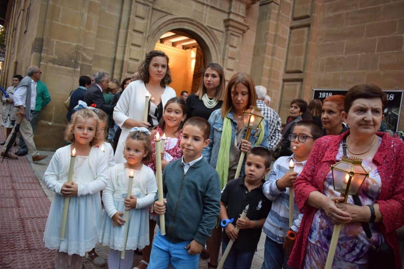 La lluvia indultó al Rosario de Faroles de Cristal de Haro en su centenario 6