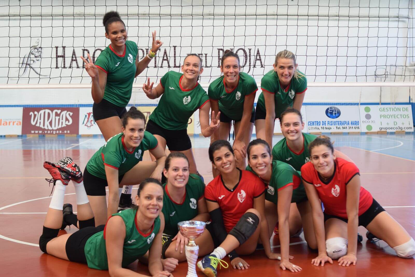 Minis de Arluy Voleibol Logroño, ganador del Memorial Lorena Ojeda 4