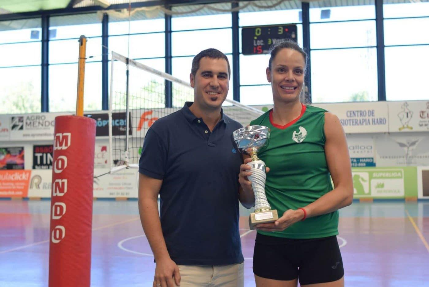Minis de Arluy Voleibol Logroño, ganador del Memorial Lorena Ojeda 5
