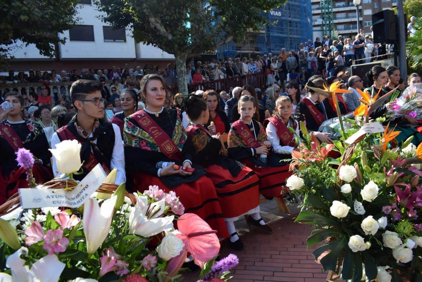 Piropos y flores para la patrona de Haro 11