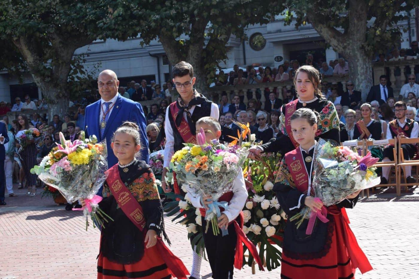 Piropos y flores para la patrona de Haro 18