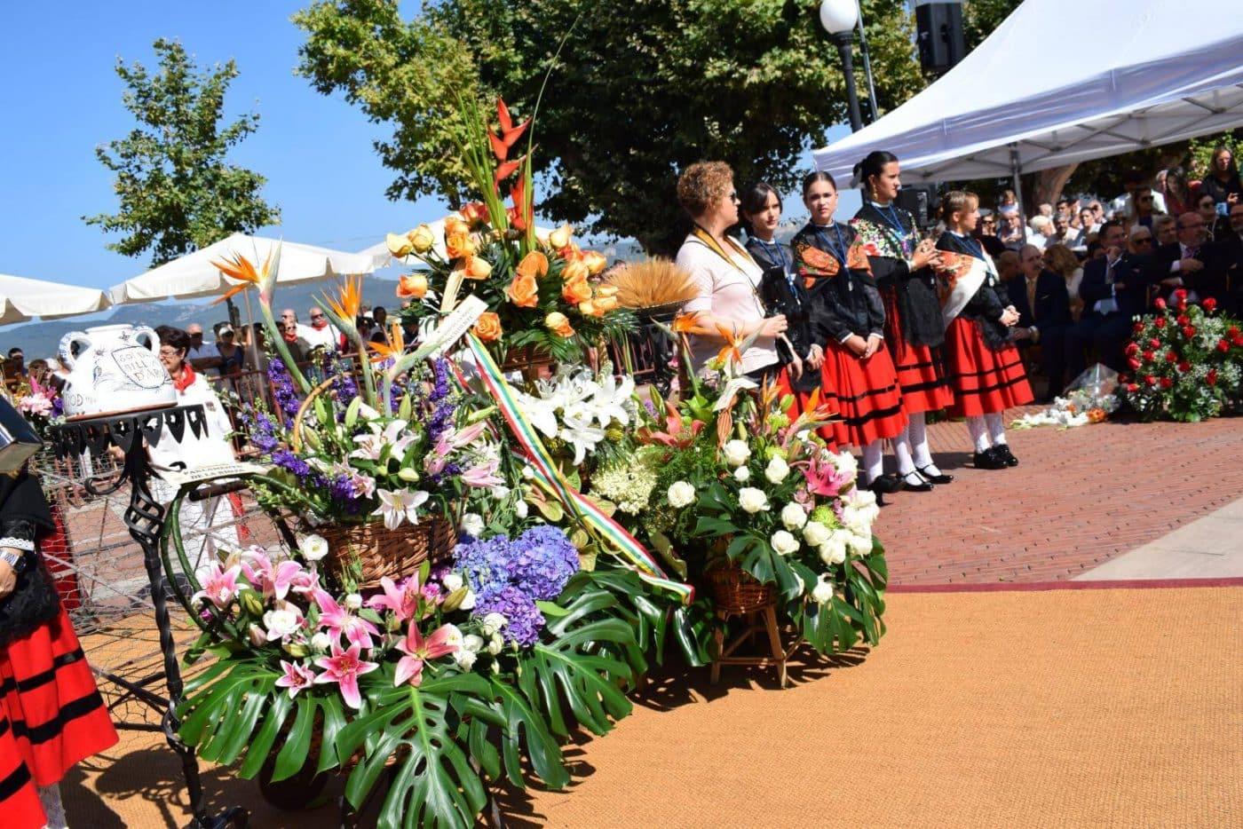 Piropos y flores para la patrona de Haro 19