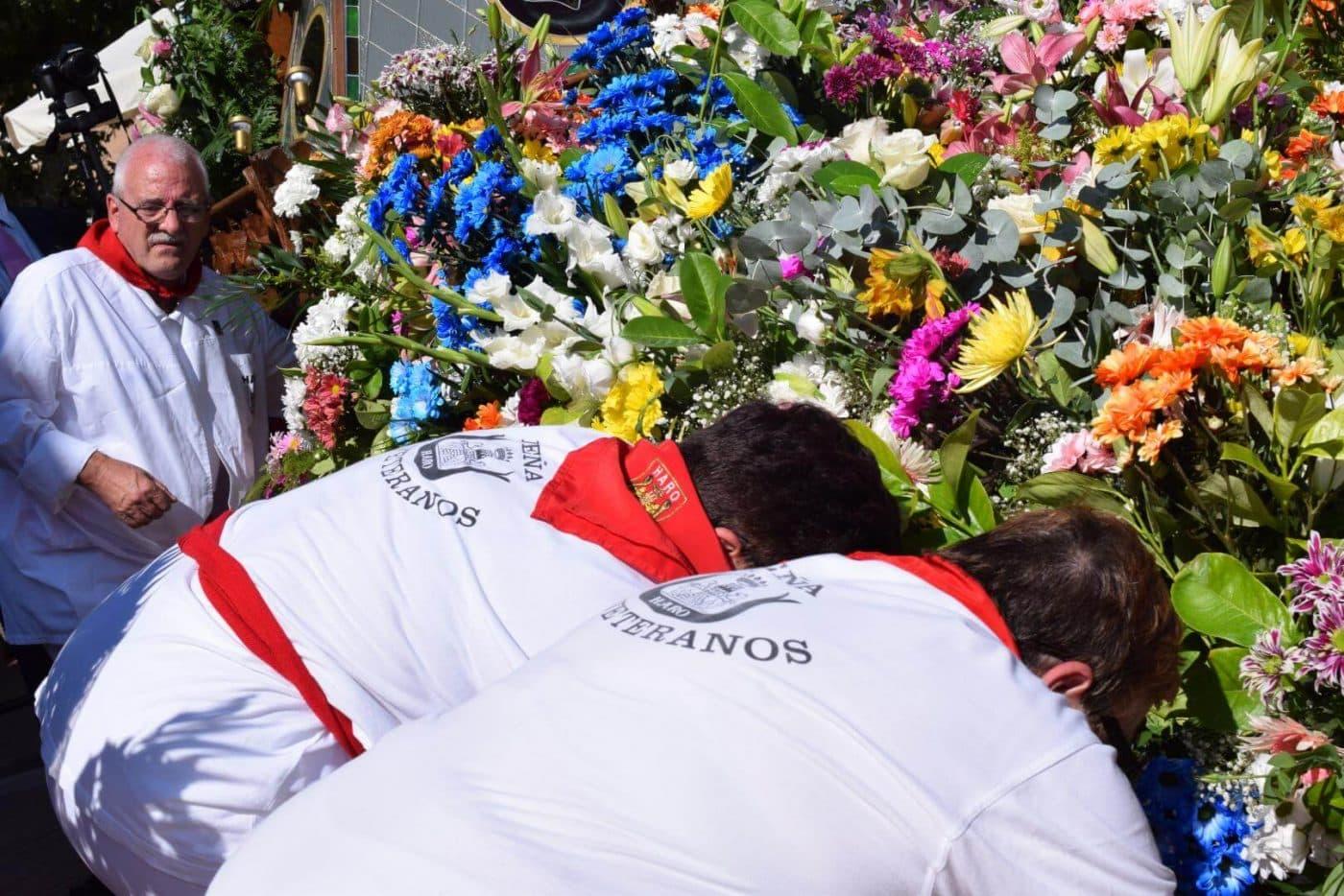 Piropos y flores para la patrona de Haro 45