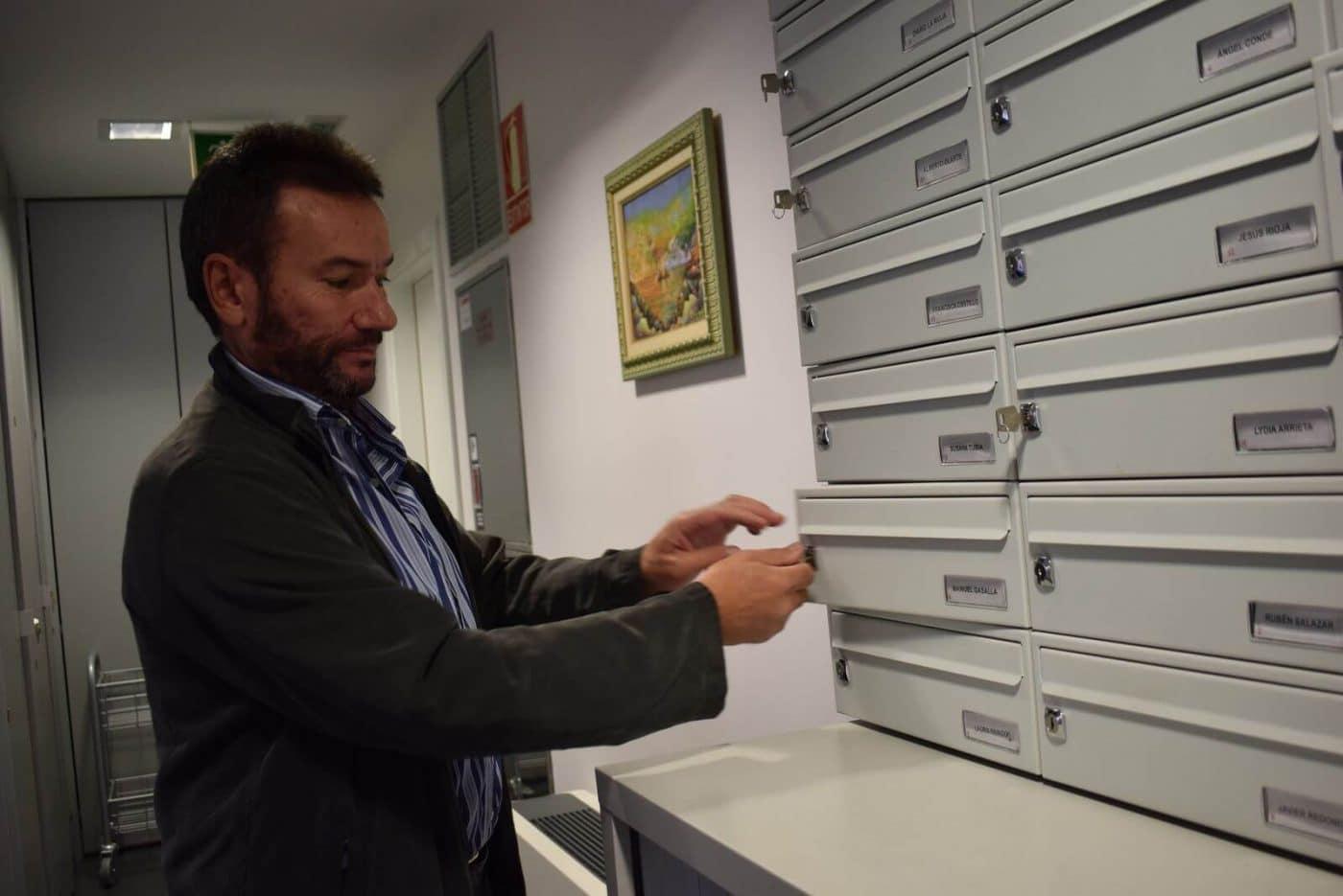 Gasalla entrega su acta de concejal y abandona el Ayuntamiento de Haro 1