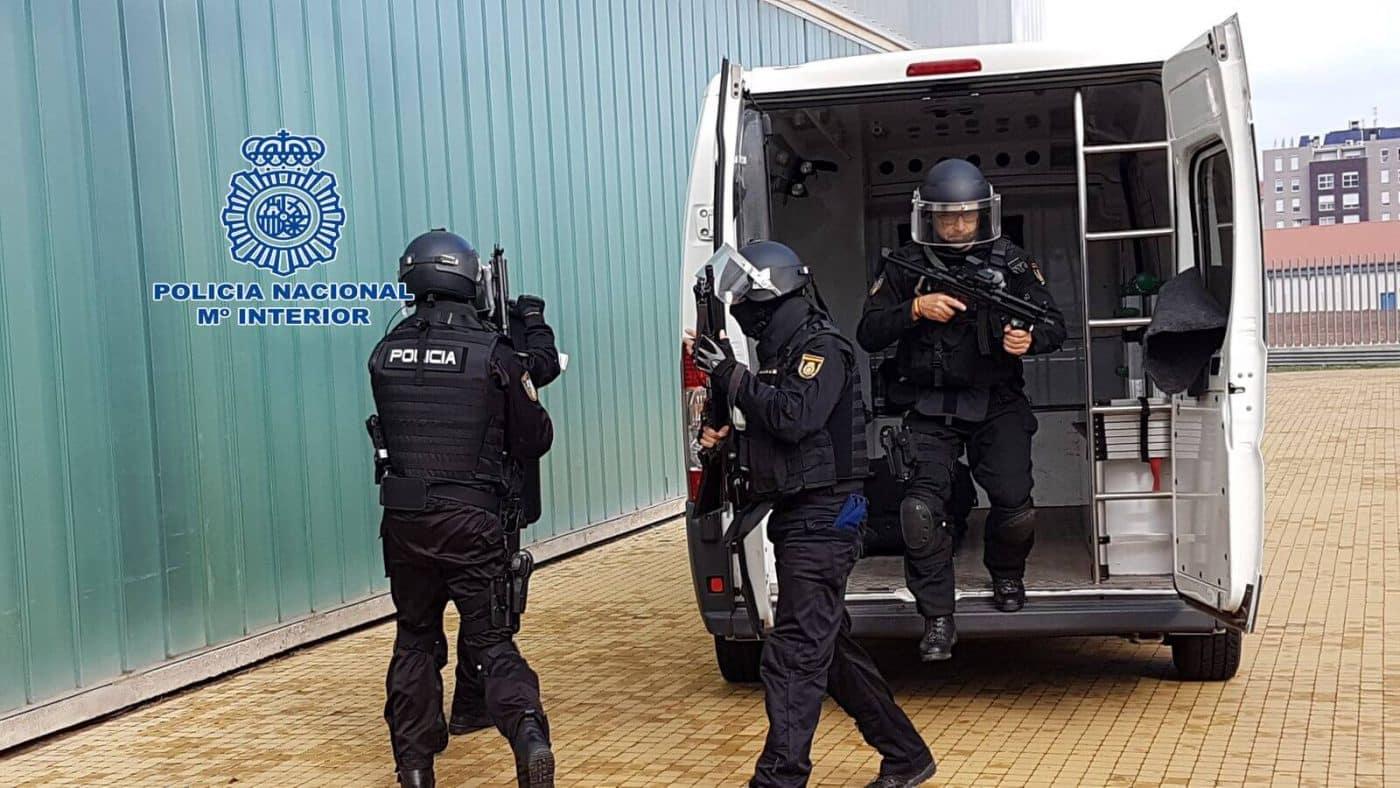 La Policía Nacional celebra una jornada de puertas abiertas con chocolatada infantil dedicada a los niños riojanos 2