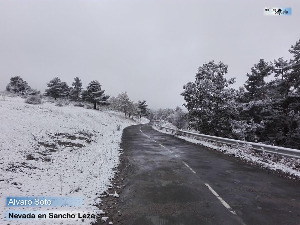 Las imágenes de la primera gran nevada del otoño en La Rioja 4