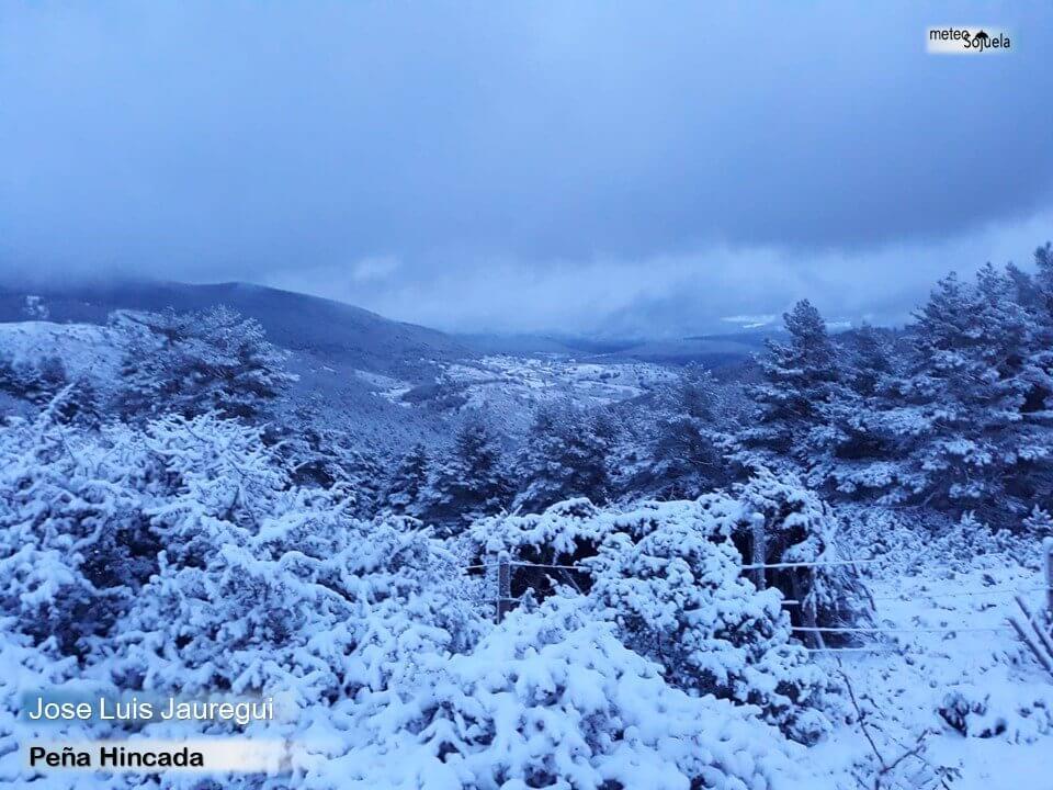 Las imágenes de la primera gran nevada del otoño en La Rioja 7