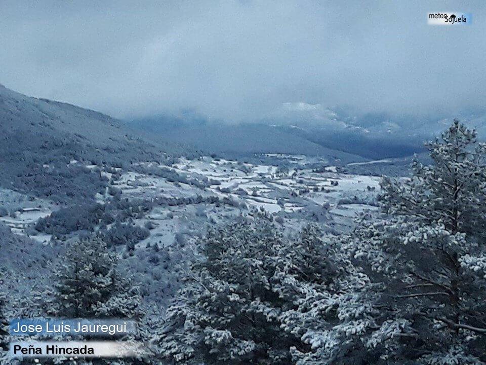 Las imágenes de la primera gran nevada del otoño en La Rioja 8