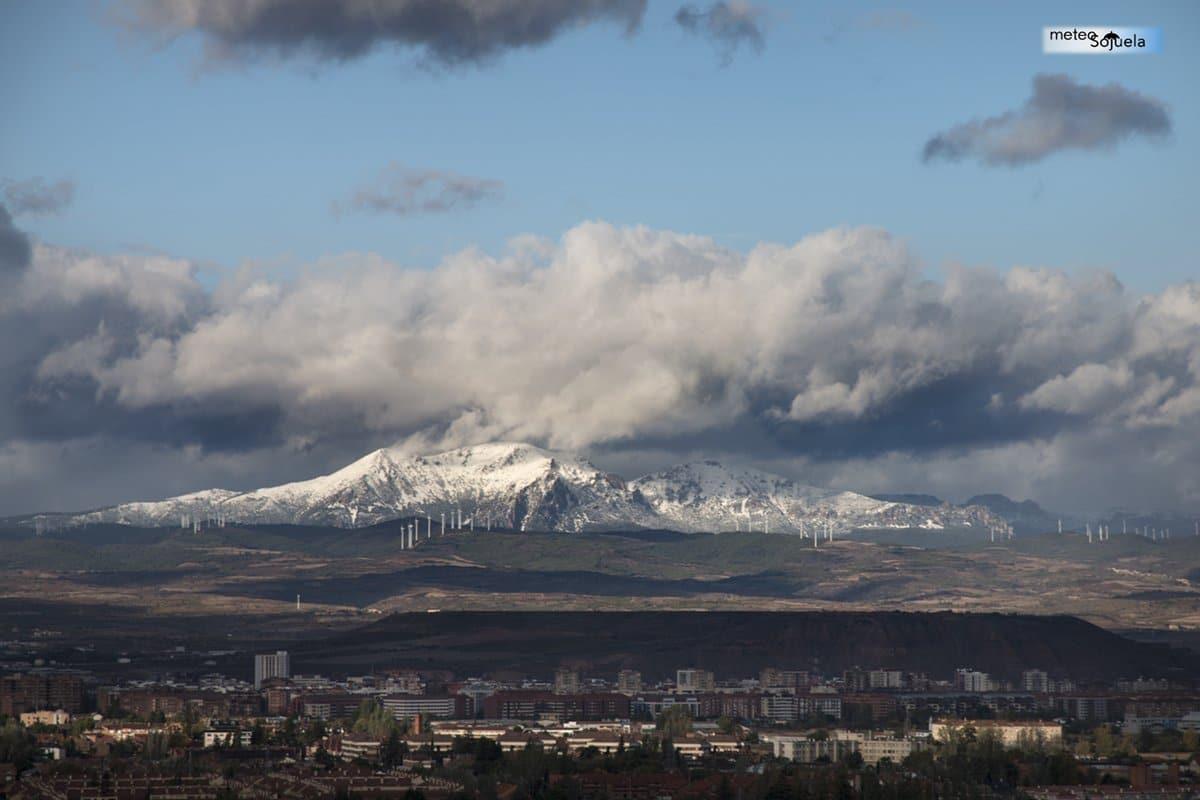 Las imágenes de la primera gran nevada del otoño en La Rioja 10
