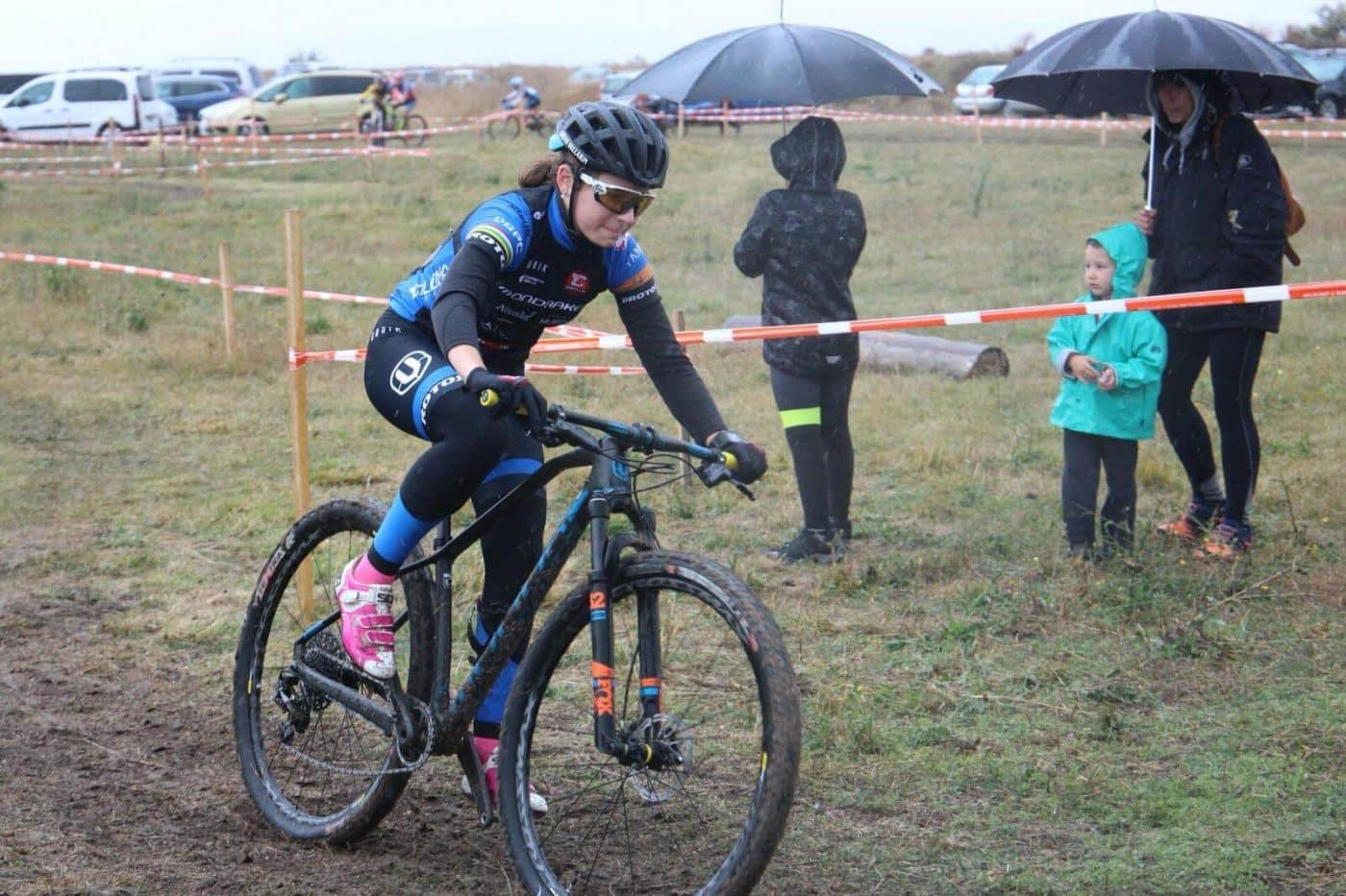 María López roza el podio en el Ciclocross de Fresno de Rodilla 1