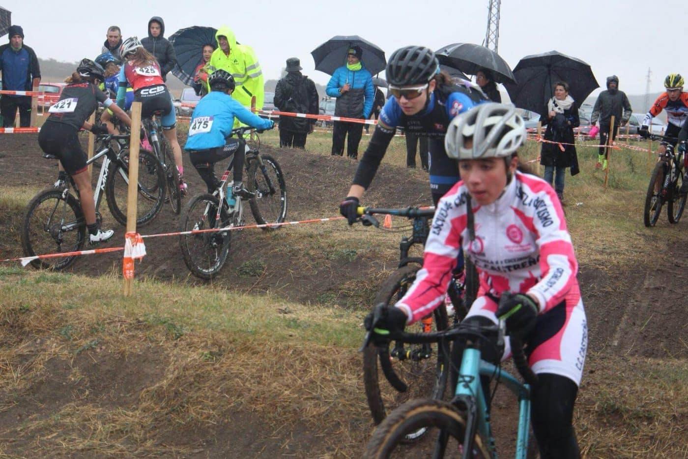 María López roza el podio en el Ciclocross de Fresno de Rodilla 2
