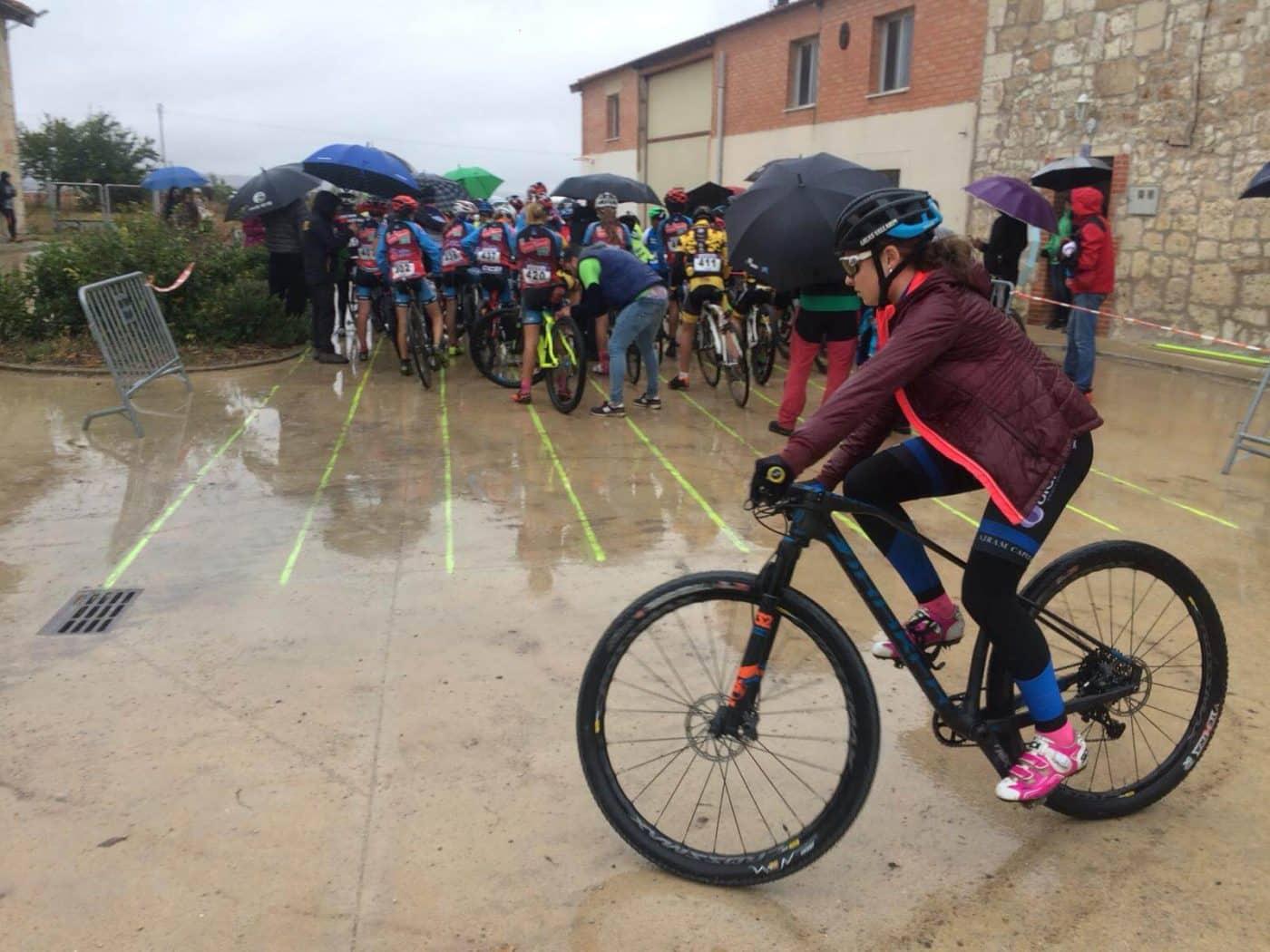 María López roza el podio en el Ciclocross de Fresno de Rodilla 3