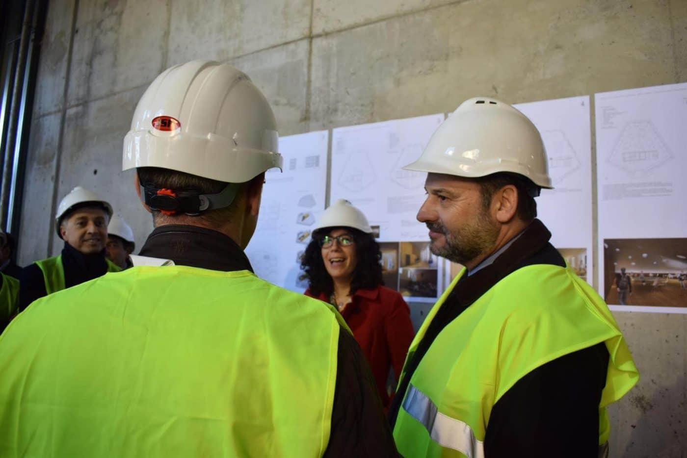 Ábalos visita en Haro las obras de rehabilitación del edificio María Díaz 19