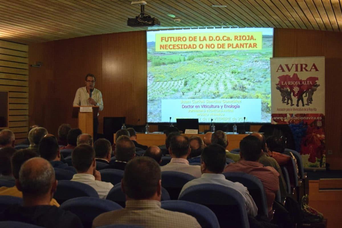 Arrancaron con Juan Carlos Sancha las Primeras Jornadas Técnicas de AVIRA en Vivanco 7