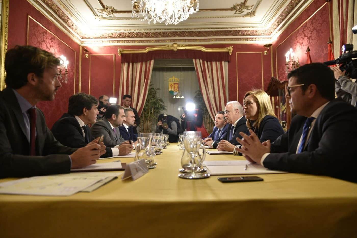 """El AVE en La Rioja """"será consensuado entre todos"""" 1"""