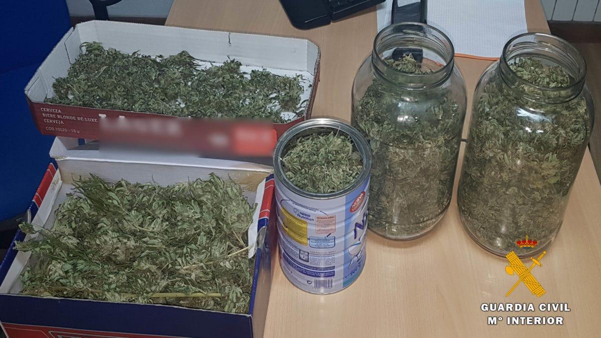 La Guardia Civil detiene a una persona por cultivo y elaboración de droga en Baños de Río Tobía 1