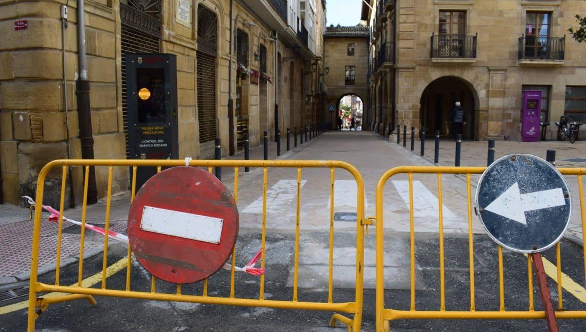La pilona móvil de acceso a la plaza de la Paz estará en funcionamiento en los próximos días 2