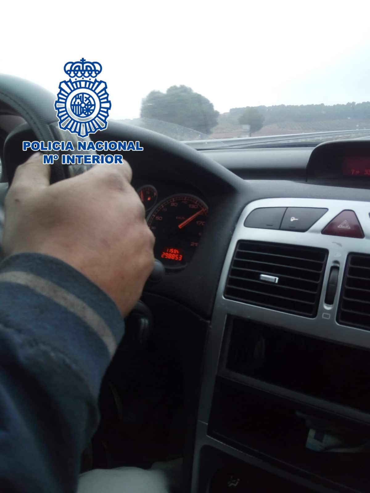 Detenido un menor que conducía a 160 km/h en la A-68 y que fue grabado por su padre 1