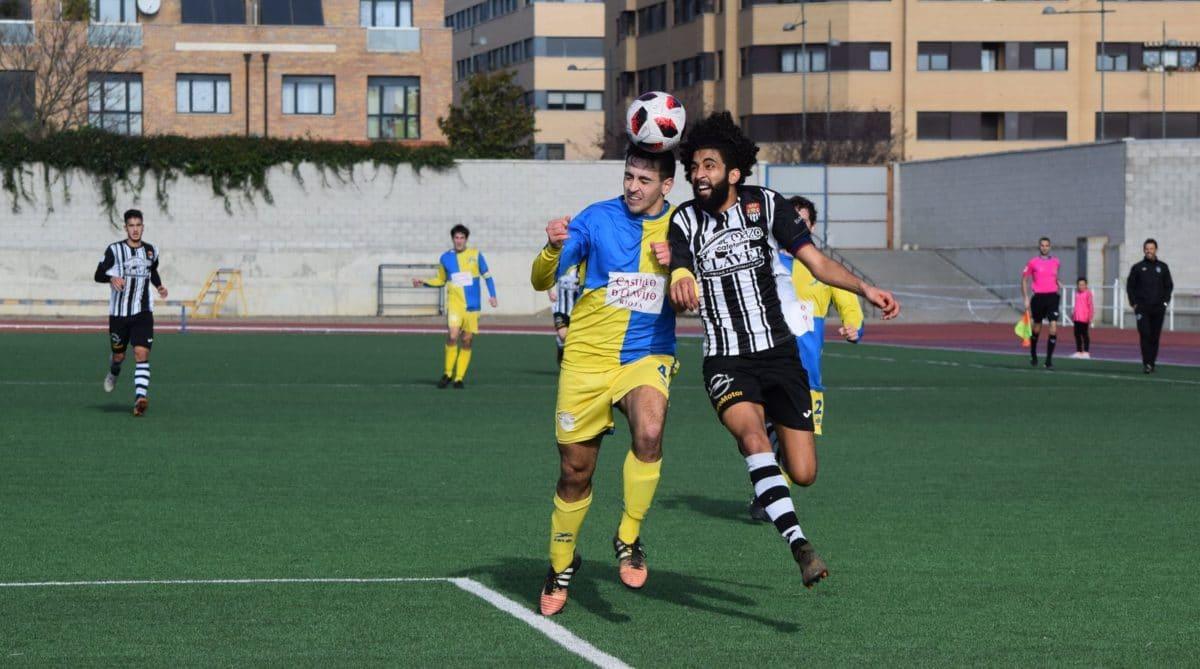 Partido tranquilo en El Mazo: el Haro vence 2-0 al Alberite 3