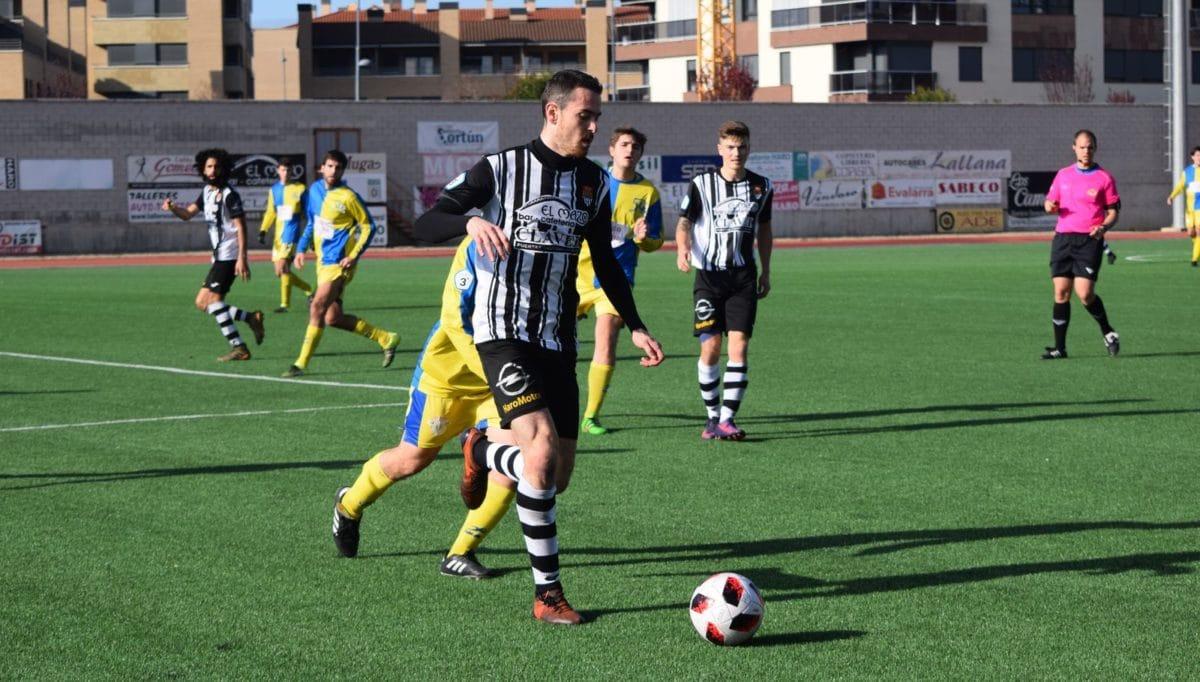 Partido tranquilo en El Mazo: el Haro vence 2-0 al Alberite 5