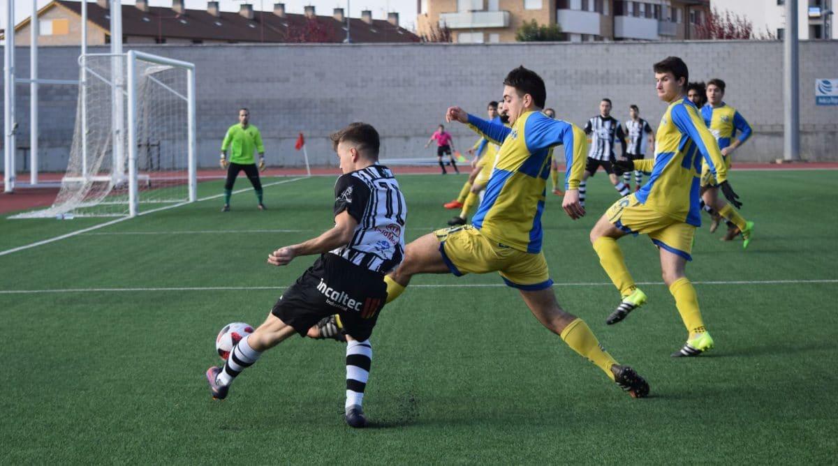 Partido tranquilo en El Mazo: el Haro vence 2-0 al Alberite 8