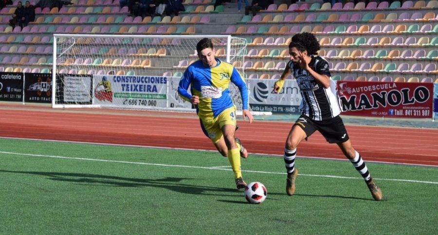 Partido tranquilo en El Mazo: el Haro vence 2-0 al Alberite 1