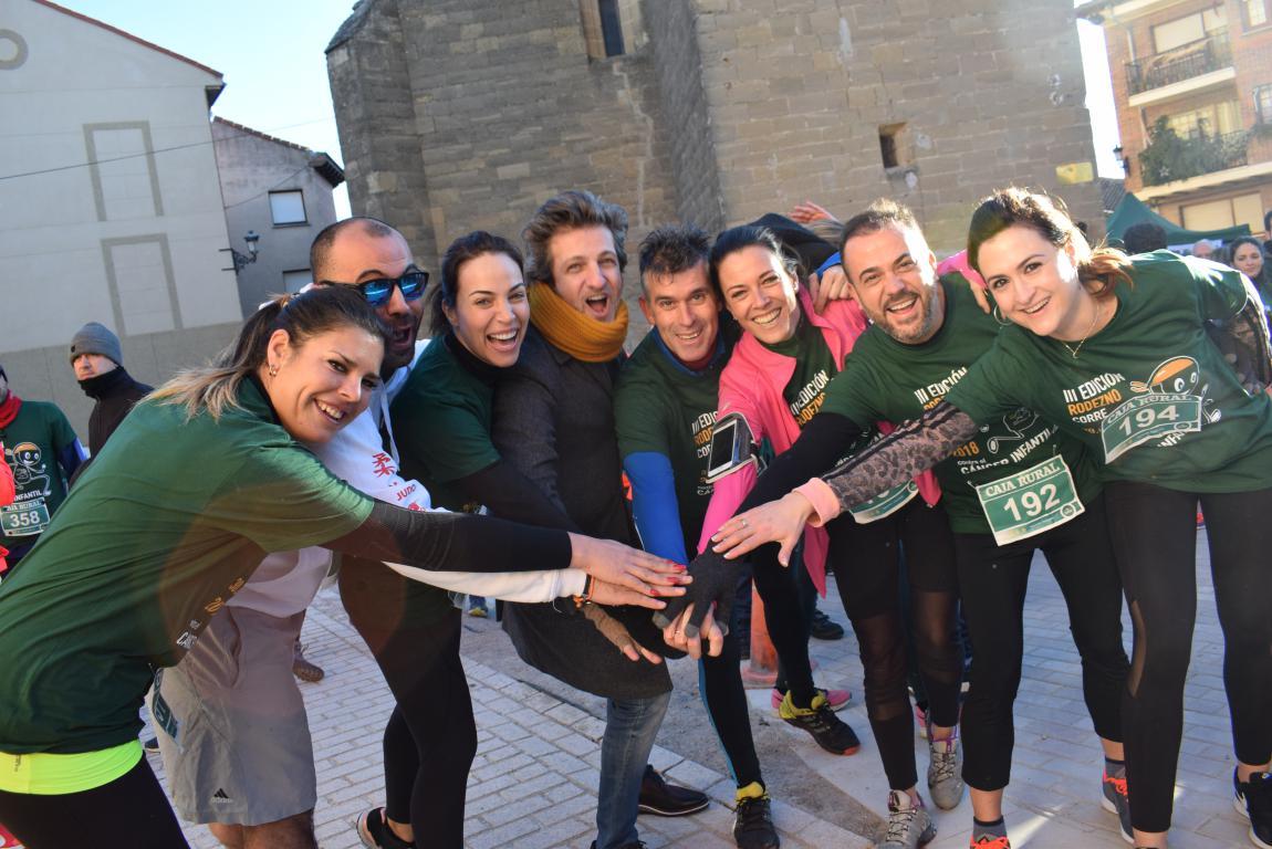 Un millar de corredores se dan cita en Rodezno contra el cáncer infantil 1